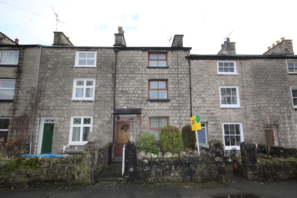 5 Bedrooms Terraced House for sale in 20 Castle Crescent, Kendal. LA9 7AN