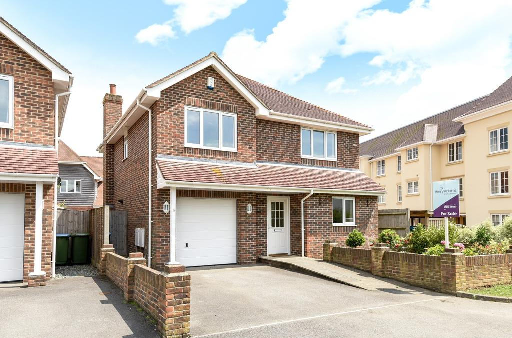 4 Bedrooms Detached House for sale in Tryndel Way, Felpham, Bognor Regis, PO22