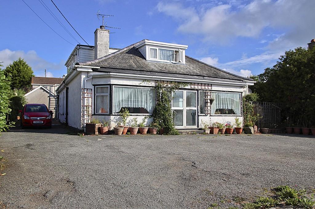 7 Bedrooms Detached Bungalow for sale in Hafod Wyn, Tyn-Y-Gongl, North Wales