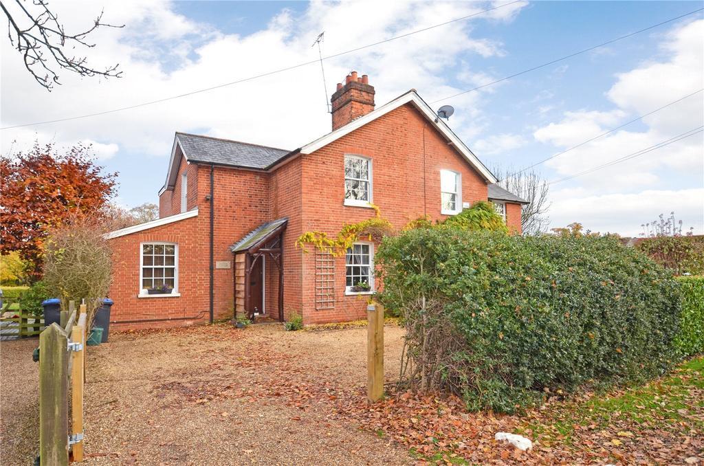 3 Bedrooms Semi Detached House for sale in Hardwick Lane, Lyne, Chertsey, Surrey