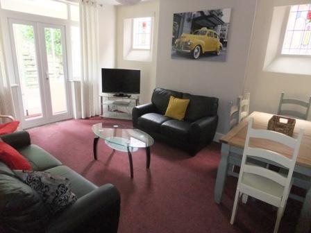 6 Bedrooms Detached House for rent in Harrington Drive, Lenton, Nottingham, NG7 1JQ
