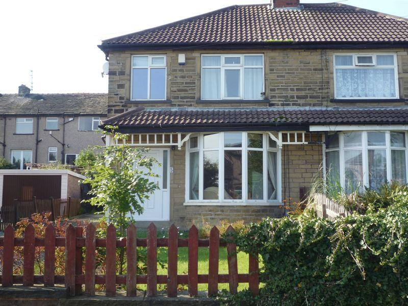3 Bedrooms Semi Detached House for sale in Hudson Crescent, Bradford, BD7 3NB