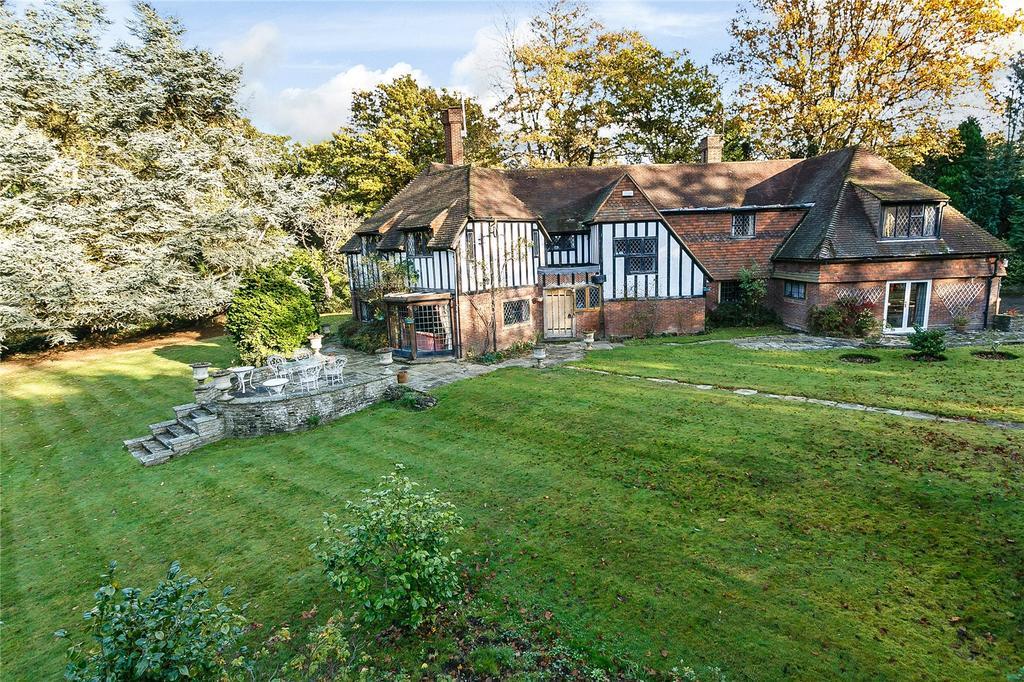5 Bedrooms Detached House for sale in Tyrrells Wood, The Drive, Surrey, KT22