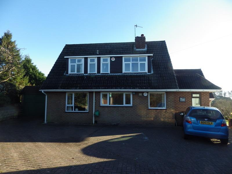 3 Bedrooms Detached House for sale in Dayhouse Bank, Romsley, Halesowen