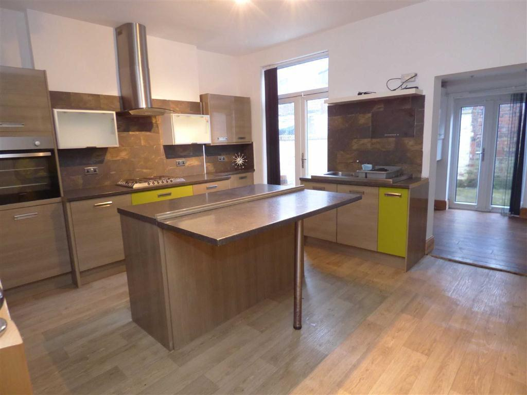 2 Bedrooms Terraced House for sale in Clarence Street, Royton, Oldham, OL2