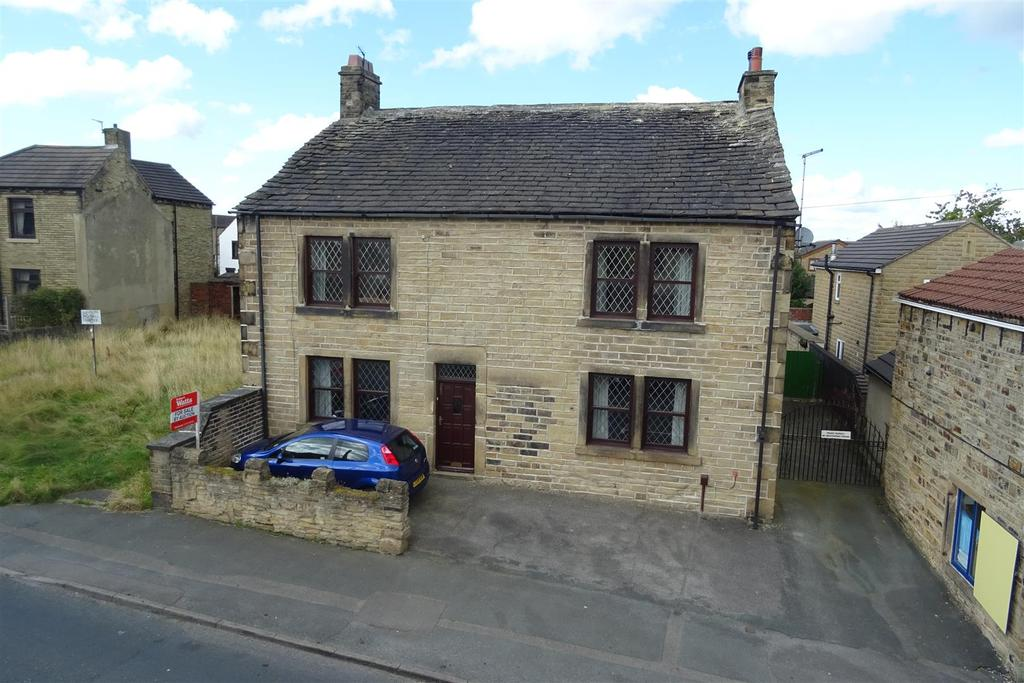 5 Bedrooms Detached House for sale in Halifax Road, Liversedge