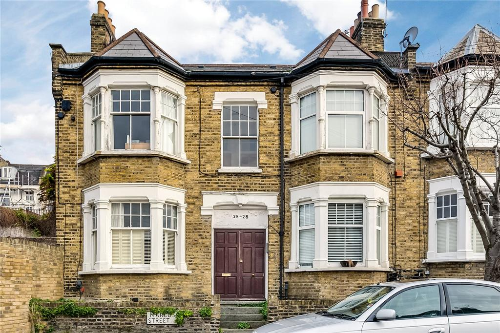 2 Bedrooms Flat for sale in Marcus Street, Wandsworth, London