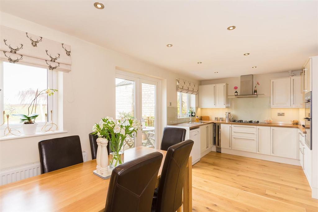 3 Bedrooms Detached House for sale in Vanner Road, Witney