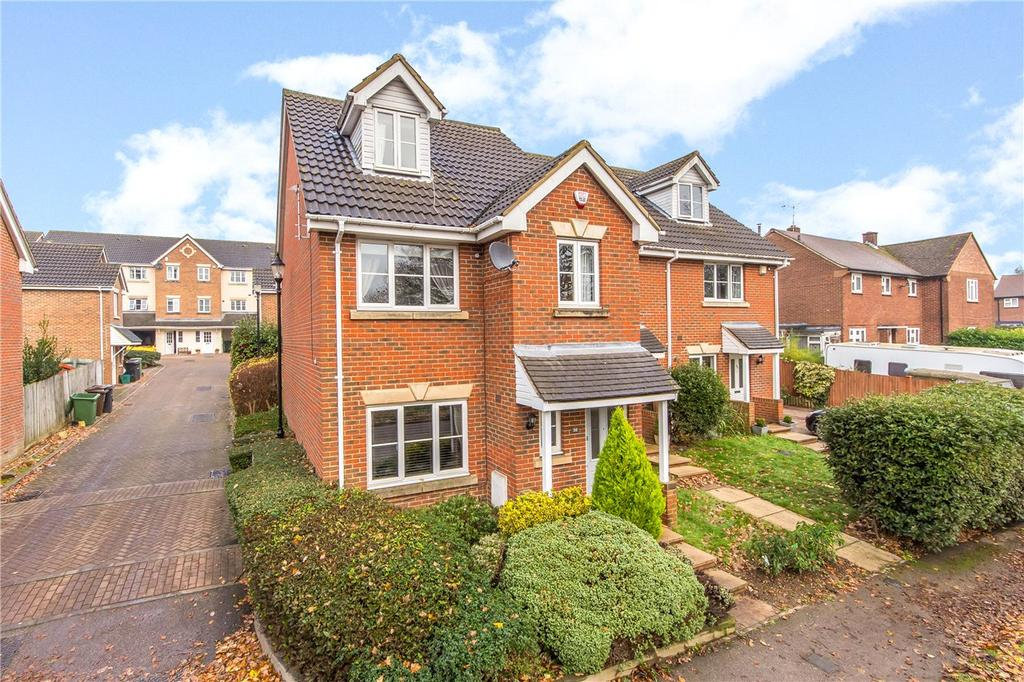 4 Bedrooms Semi Detached House for sale in Holyrood Crescent, St. Albans, Hertfordshire