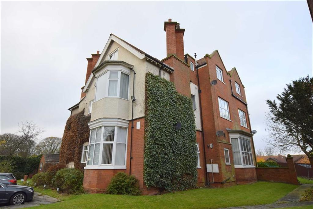 2 Bedrooms Flat for sale in The Mount, Cleethorpes, North East Lincolnshire