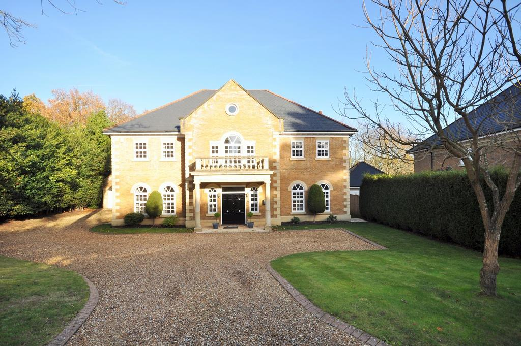 5 Bedrooms Detached House for sale in Alpine Close, Hancocks Mount, Sunninghill