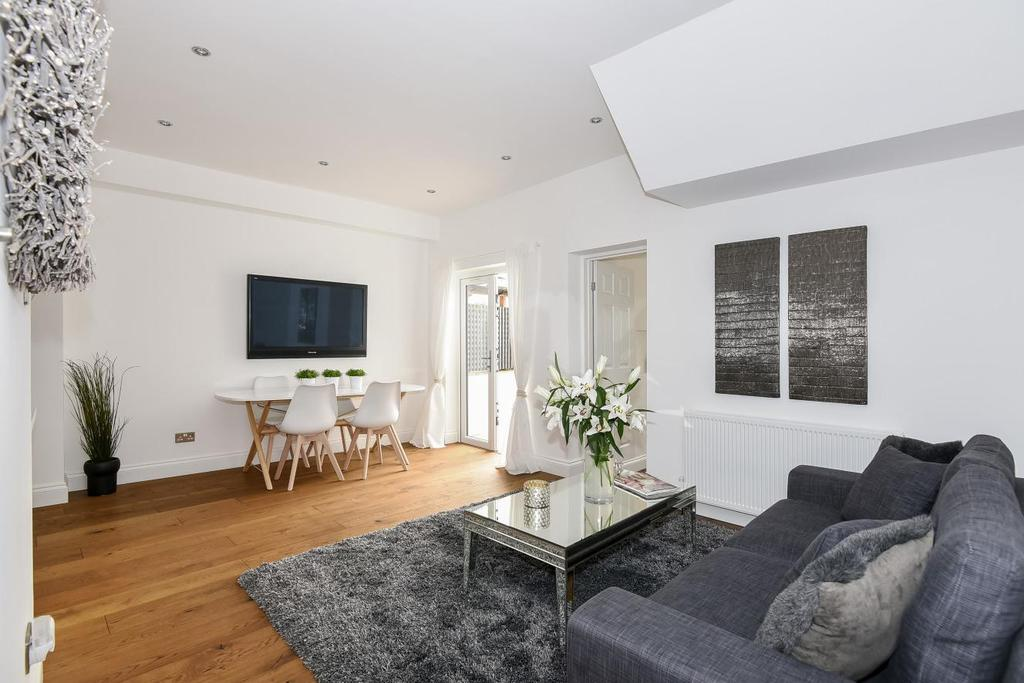 2 Bedrooms Flat for sale in Troy Road, Crystal Palace, SE19