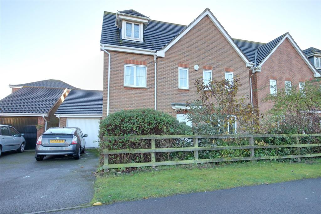 6 Bedrooms Detached House for sale in Elloughtonthorpe Way, Brough