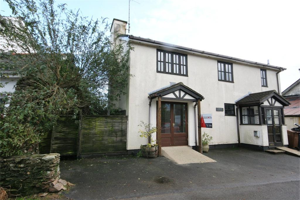 3 Bedrooms Detached House for sale in Vicarage Road, Blackawton, Totnes, Devon, TQ9