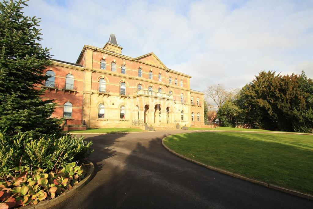 2 Bedrooms Flat for sale in Middlewood Lodge, Wadsley Park Village