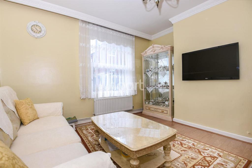 2 Bedrooms Flat for sale in Peckham Road, Camberwell SE5