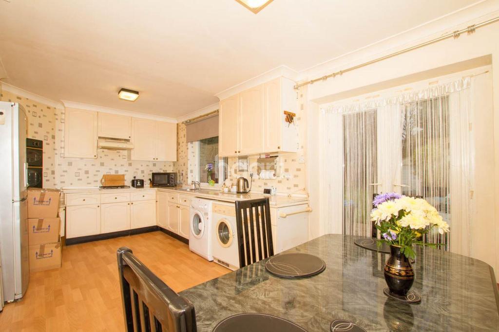 4 Bedrooms Terraced House for sale in Three Corners, Hemel Hempstead, HP3
