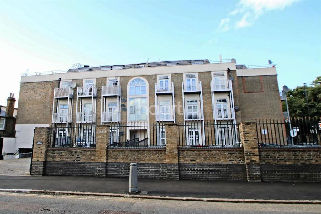 2 Bedrooms Flat for sale in Upton Heights, Forest Gate, London, E7