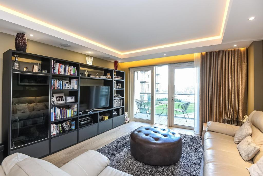 2 Bedrooms Flat for sale in Distillery Wharf, Regatta Lane, Hammersmith, W6
