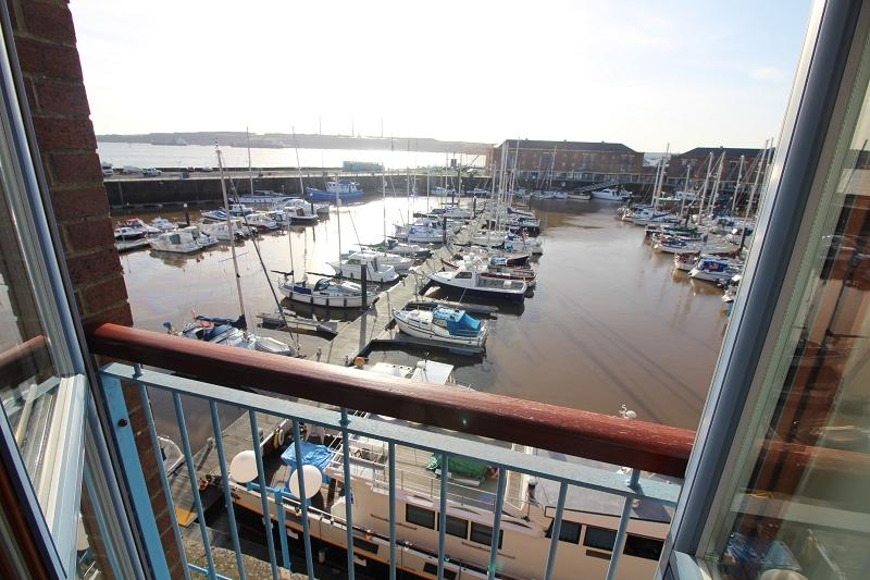 3 Bedrooms Maisonette Flat for sale in Nelson Quay, Milford Haven, Pembrokeshire. SA73 3AJ
