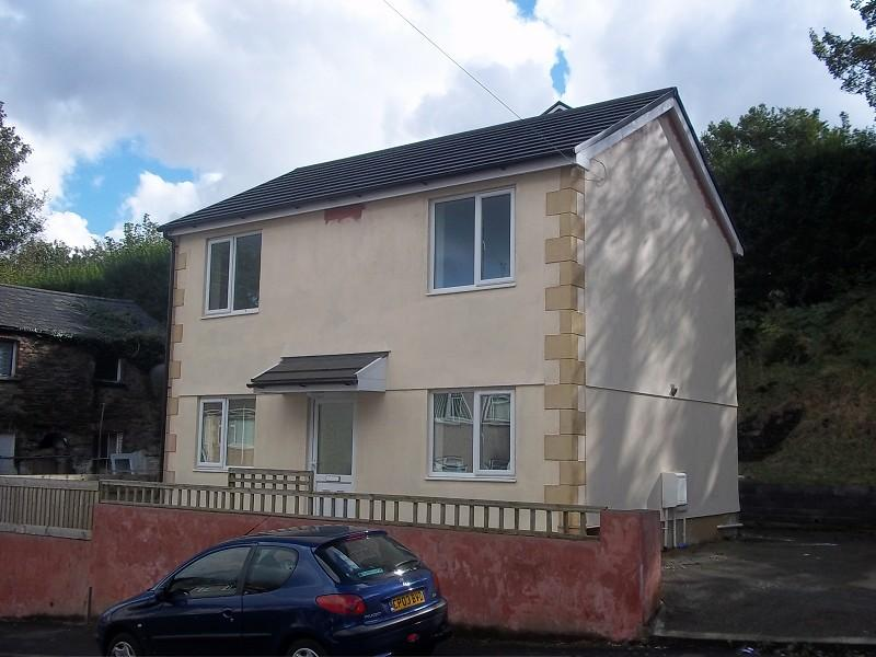 3 Bedrooms Detached House for sale in , Cwmbath Road, Morriston, Swansea.