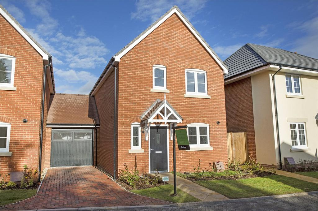 3 Bedrooms Link Detached House for sale in The Milldown, Blandford Forum, Dorset, DT11