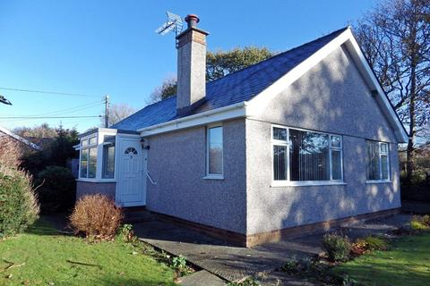 3 bedroom detached bungalow to rent - Rhoslan, Bethel