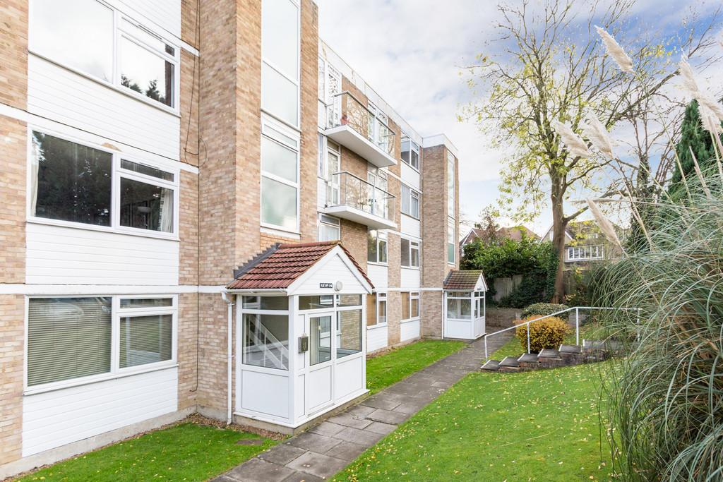 1 Bedroom Flat for sale in West Park, Mottingham