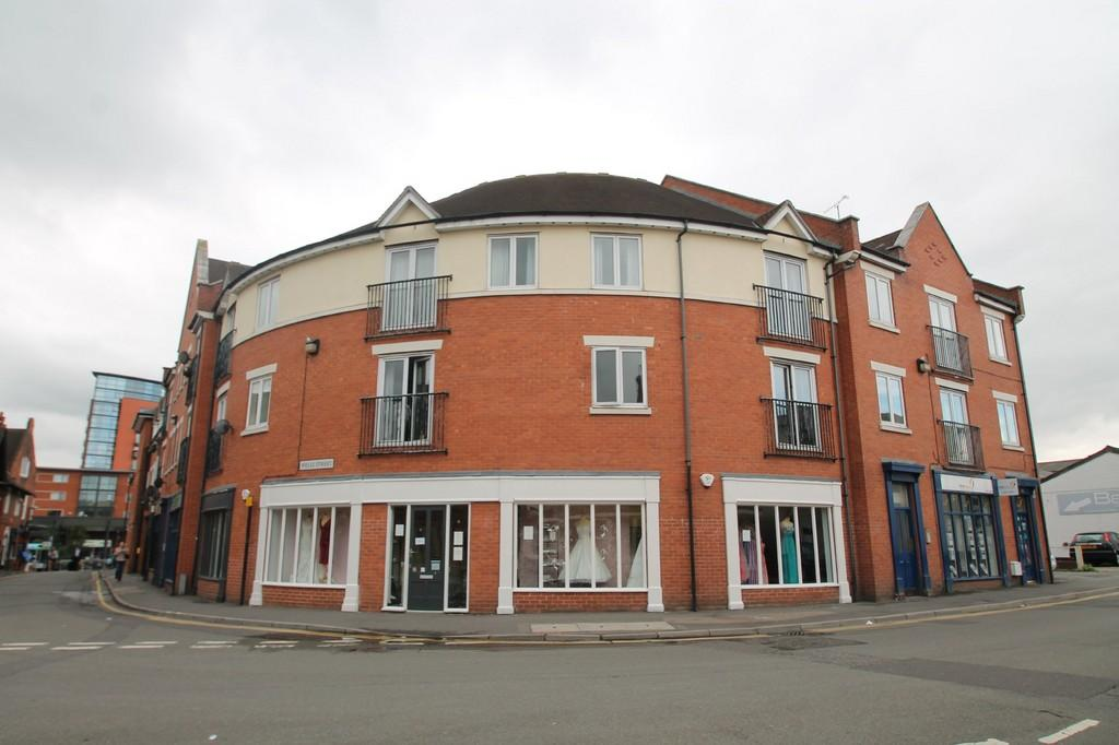2 Bedrooms Apartment Flat for sale in Railway Street, Town Centre