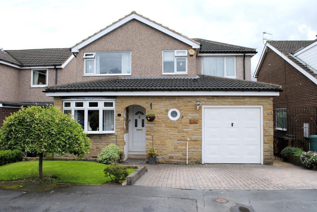 4 Bedrooms Detached House for rent in Holt Park Drive, Holt Park, Leeds, West Yorkshire