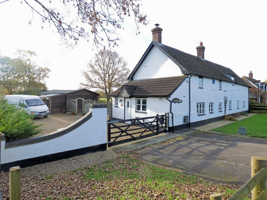 4 Bedrooms Detached House for sale in Lytchett Minster, Poole