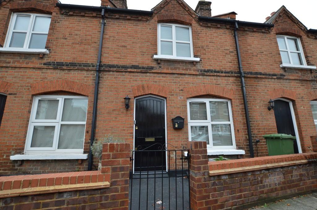 2 Bedrooms Terraced House for sale in Blunts Road, Eltham SE9