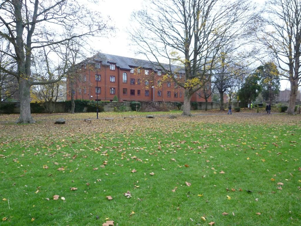 1 Bedroom Flat for sale in Raleigh Court, Trowbridge
