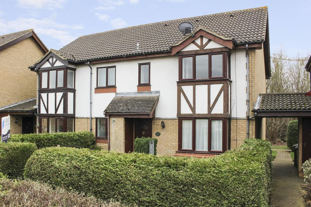 2 Bedrooms Terraced House for sale in Lindisfarne Close, Eynesbury, St. Neots