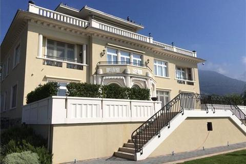 7 bedroom house  - Montreux
