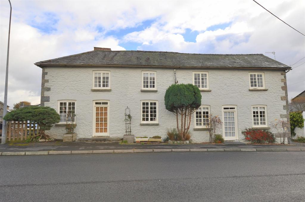 4 Bedrooms Detached House for sale in Newbridge-On-Wye, Llandrindod Wells