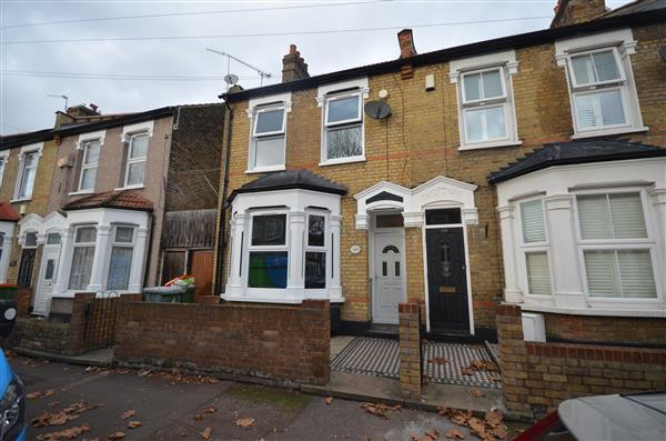 2 Bedrooms End Of Terrace House for sale in Masterman Road, East Ham