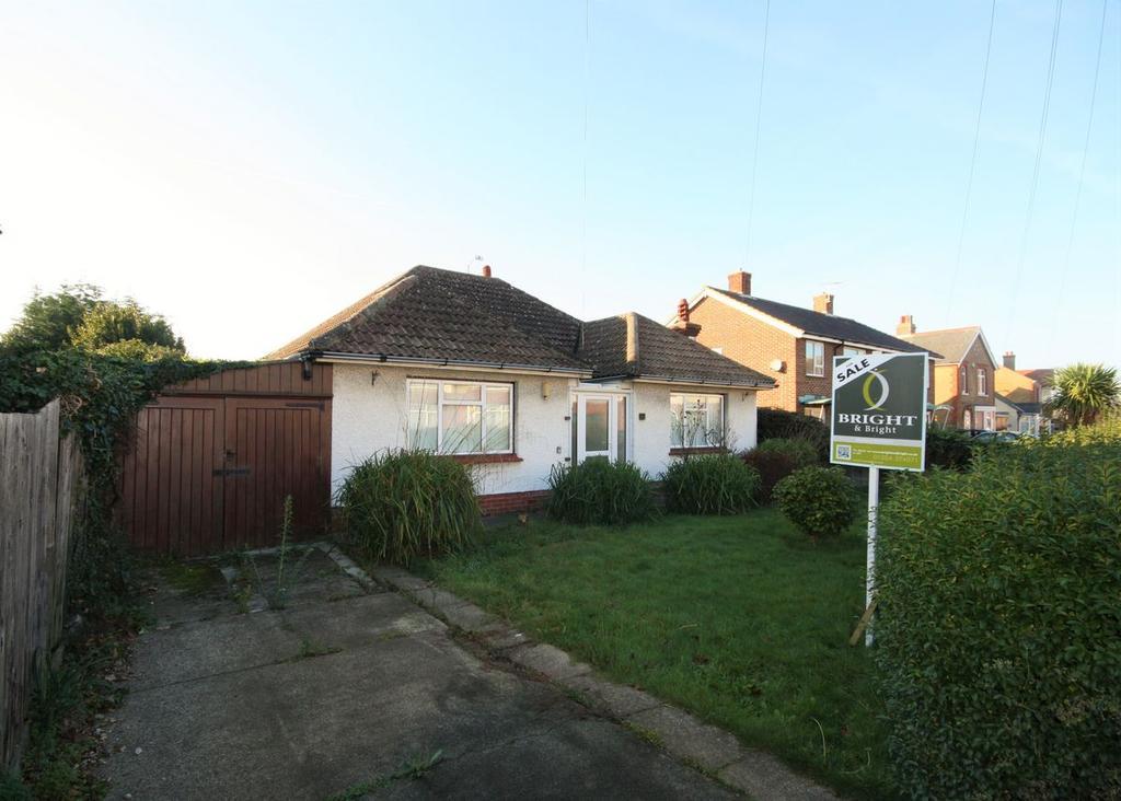 3 Bedrooms Bungalow for sale in Beechwood Avenue, Deal
