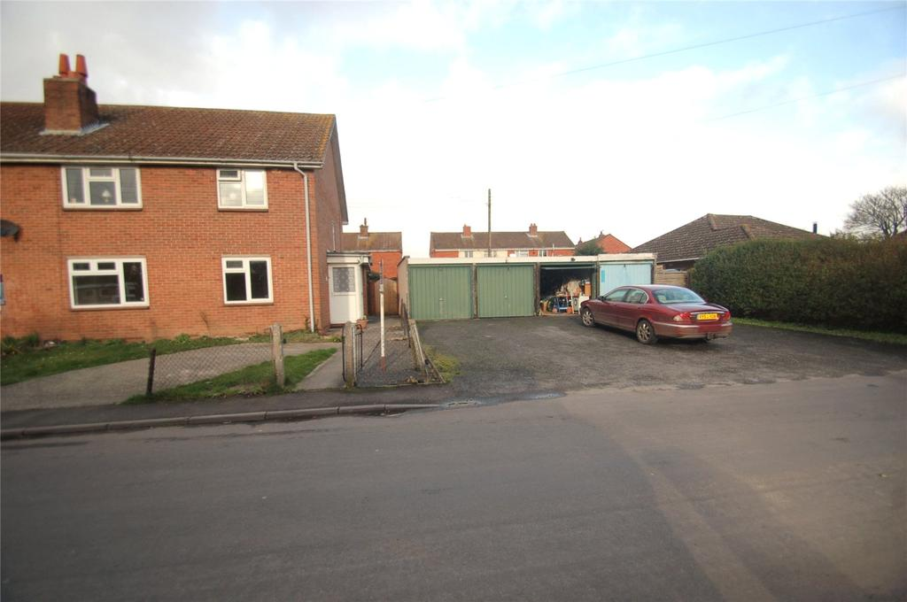 2 Bedrooms Apartment Flat for sale in Monmouth Road, Westonzoyland, Bridgwater, Somerset, TA7