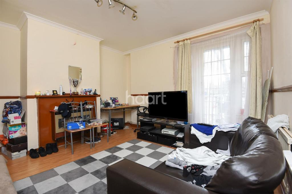 2 Bedrooms Flat for sale in New Park Road, Clapham Park, SW2