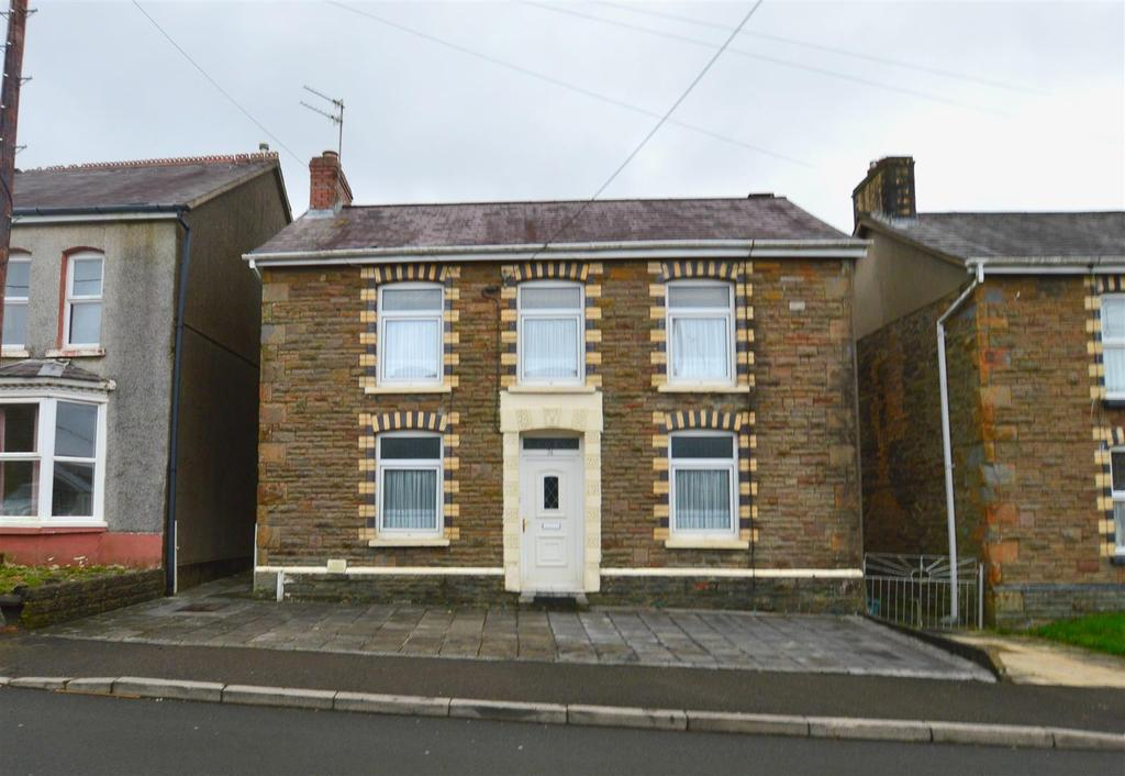 3 Bedrooms Detached House for sale in Glanamman, Ammanford
