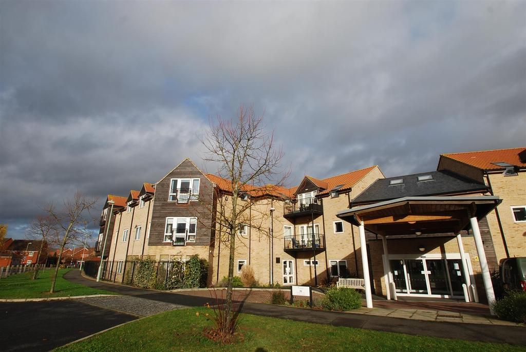 2 Bedrooms Flat for sale in Oxlip House