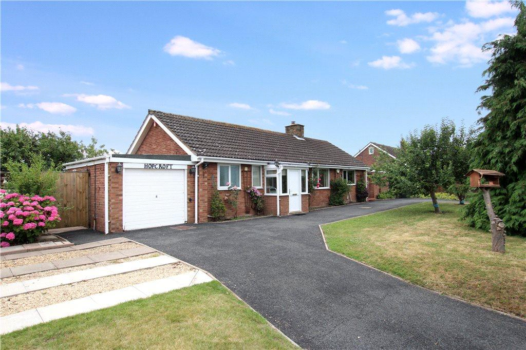 2 Bedrooms Detached Bungalow for sale in Leigh, Worcester, Worcestershire, WR6