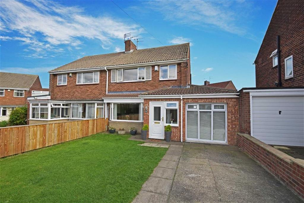 3 Bedrooms Semi Detached House for sale in Sandringham Close, Whitley Bay