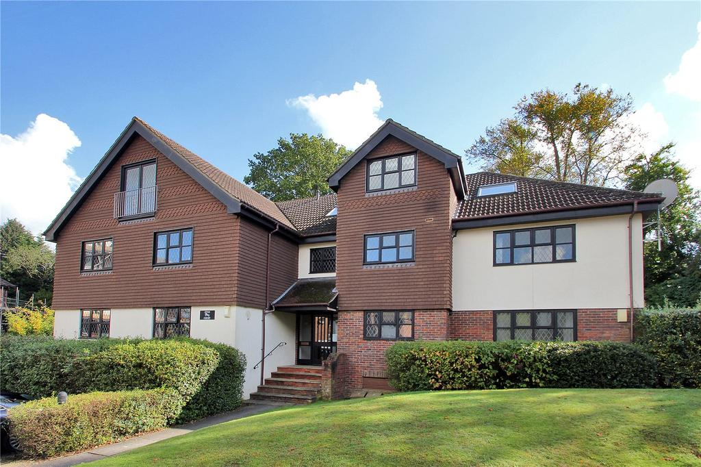 2 Bedrooms Flat for sale in Eton Court, White Lodge Close, Sevenoaks, Kent, TN13