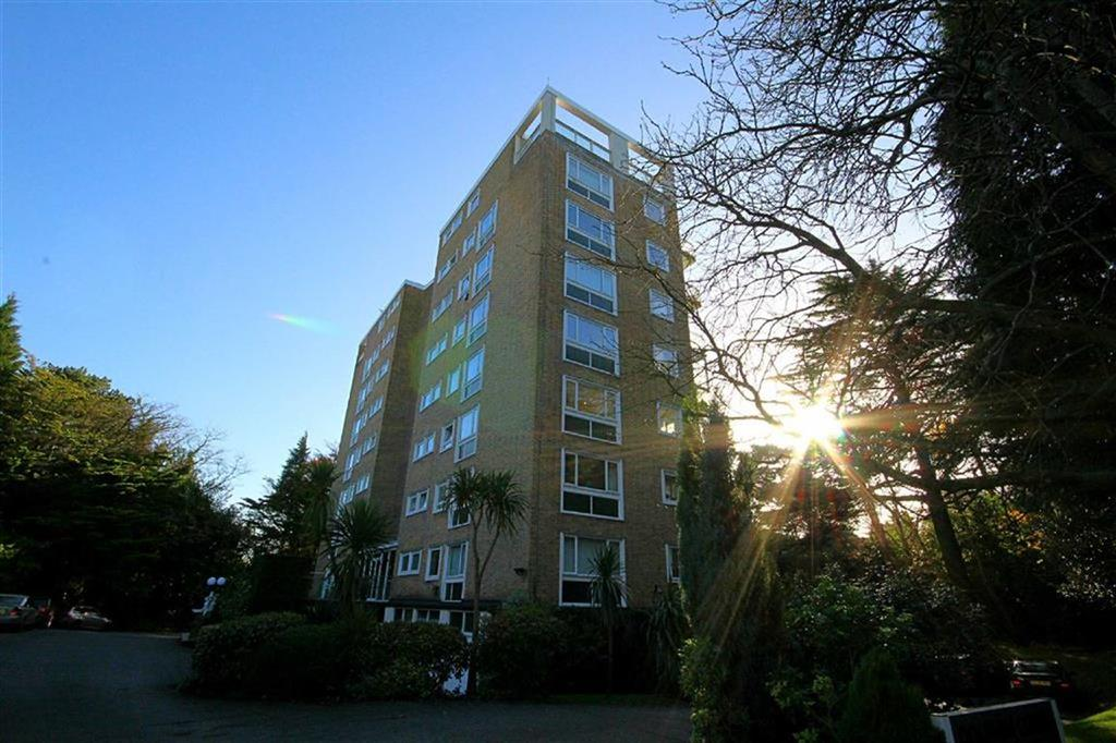 2 Bedrooms Flat for sale in Dolphin Court, Poole, Dorset