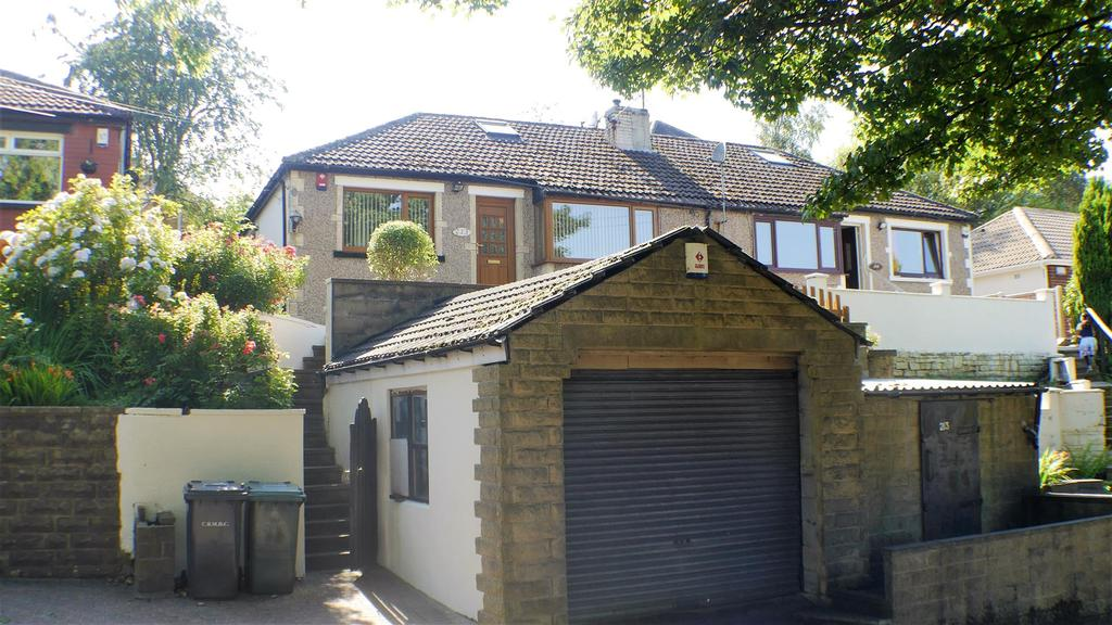 2 Bedrooms Semi Detached Bungalow for sale in Moore Avenue, Horton Bank Top, BD7