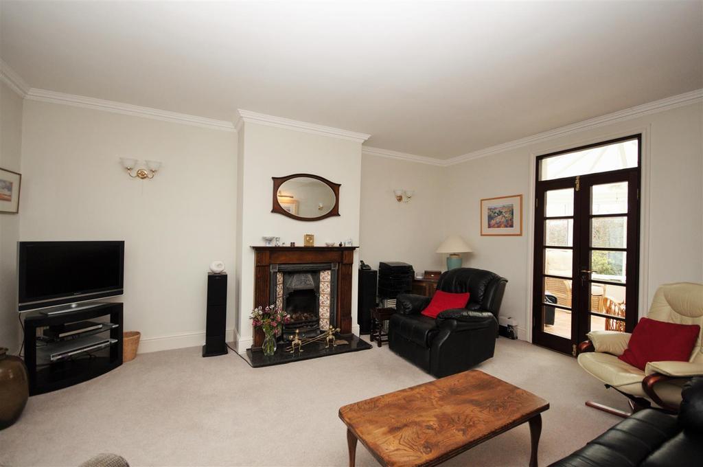 4 Bedrooms Detached House for sale in Station Cottages, Naburn, York