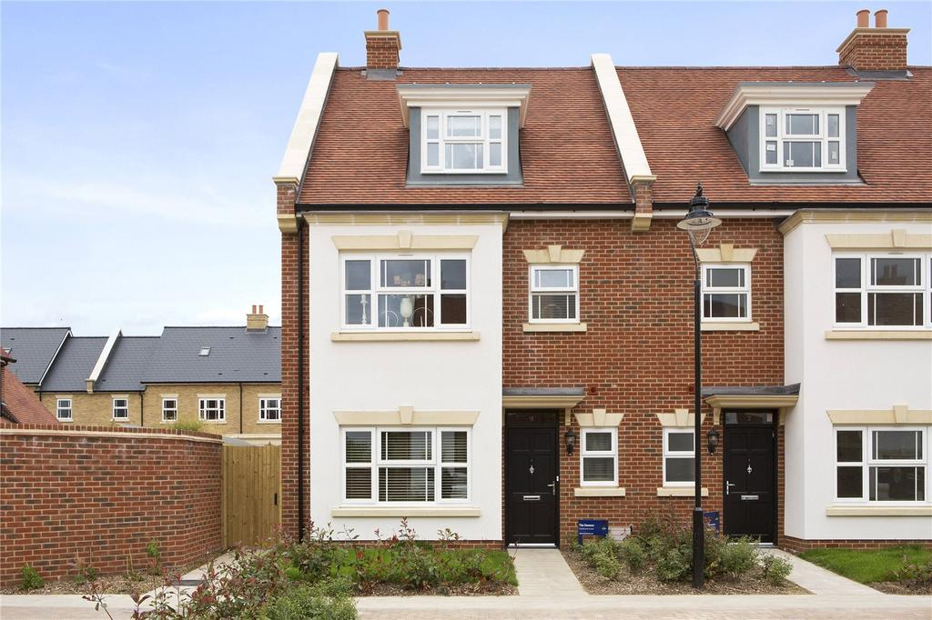 4 Bedrooms End Of Terrace House for sale in Park Avenue, The Avenue, TW16