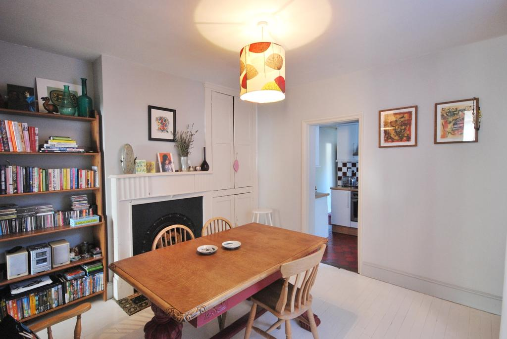 3 Bedrooms End Of Terrace House for sale in Dunstans Road East Dulwich SE22